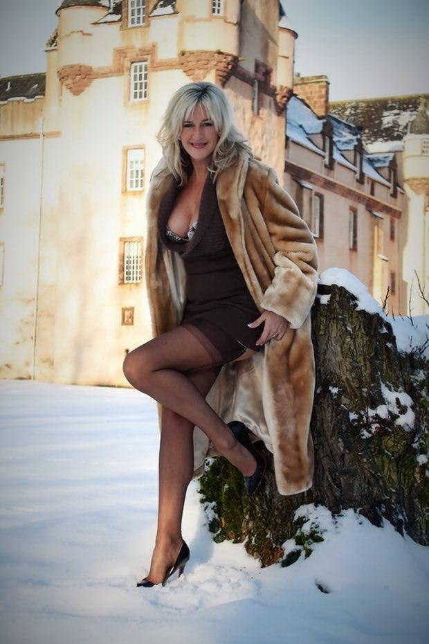 Une femme mature prête pour la drague cougar